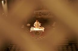 Pogled proti oltarju.
