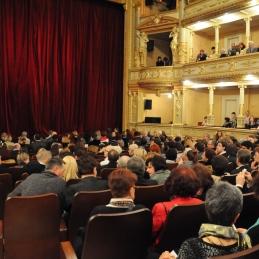 Polna dvorana ljubljanske Opere.