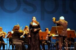 Alja Koren je z bogatim glasom in s spremljavo orkestra izvedla arijo iz opere Samson in Dalila, Saint-Saënsa.
