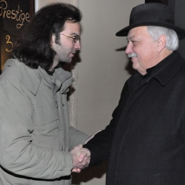 Pogovor o sodelovanju med orkestrom in Terrafolkom je stekel na več nivojih: tako med Markom Hatlakom, Terrafolk, in dirigentom...