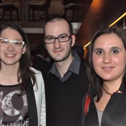 Nasmejana obiskovalka, čelist Jan Štangelj in Alja Koren.