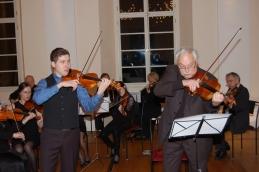 Andrej Gubenšek, dr. med. in prof. Avsenek sta nastopila skupaj pri izvajanju priredbe Chopinovega Nocturna.