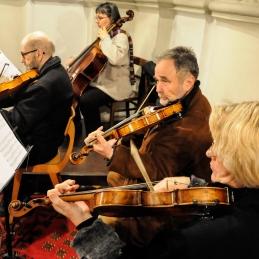 Drugi violini, dr. Košorok in dr. Demšar, violist Vilim Demšar in violončelistka Jelka Grafenauer.