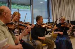 Skladne in ubrane druge violine.