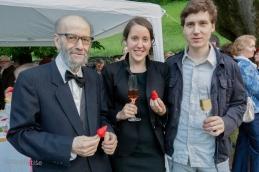Prof. Demšar, Marina in Andrej. In seveda jagode s šampanjcem!