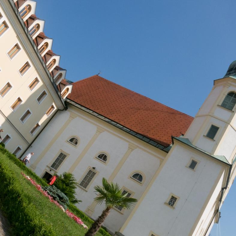 Dom Sv. Jožefa.