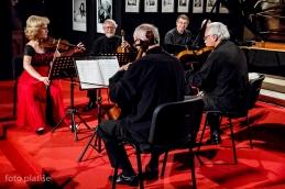 Kvartet s pianistom, Michelom Bourdonclom.