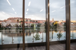 Pogled iz fakultete na levi breg Drave.