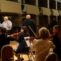 Dirigent in g. De Maiti.