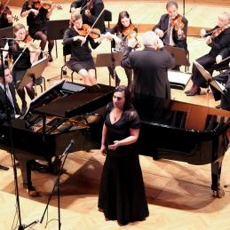 Zadnja točka pa je bilo delo H. Arlena, Over the rainbow, v priredbi prof. Avseneka. Kot solista sta z nami nastopila mezzosopranistka Alja Koren, dr. med. in pianist, Andrej Babnik, dr.med..