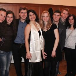 Solista Anja in Andrej s prijatelji.