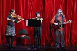 ... kateri je sledila glasbena točka v izvedbi Danijela in Ana Černeta ter violinistke Barje Drnovšek.