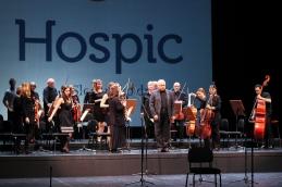 Še poklon orkestra.