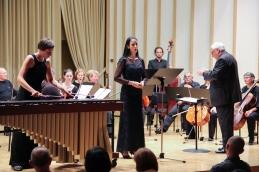 Solistki z orkestrom.