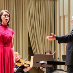 Ivana Muri z dirigentom.