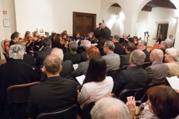 Prva skladba je bil Preludij J. S. Bacha.