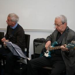 Še preostali del tria, Borut Učakar, kitara in Jani Golob, bas kitara.