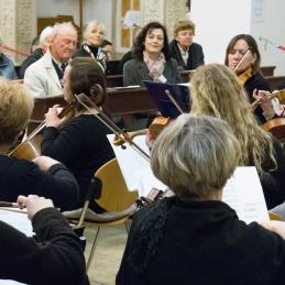 Orkester in publika.
