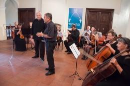 Ki je seveda prišel, nekaj uvodnih besed pa je podal domačin in naš violinist, Pavle.