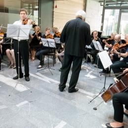 Andrej in orkester.